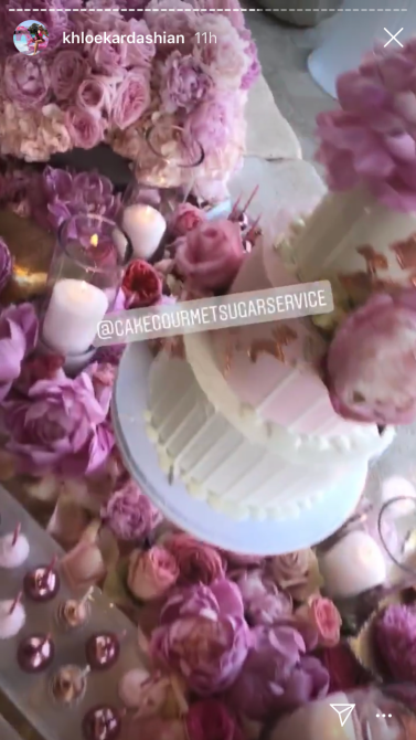 khloe cakes flowers Khloé Kardashians 35th Birthday Party Was A Whimsical Pink Wonderland