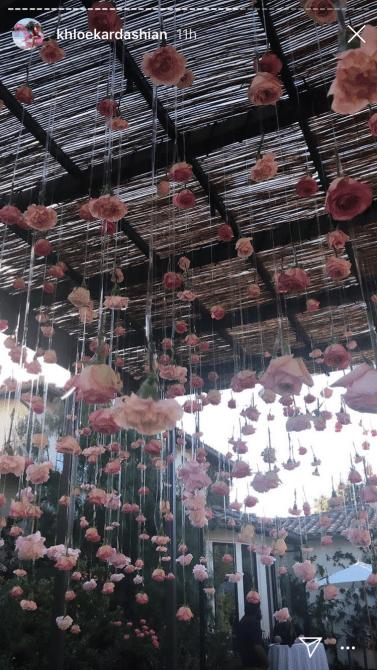 khloe flowers Khloé Kardashians 35th Birthday Party Was A Whimsical Pink Wonderland