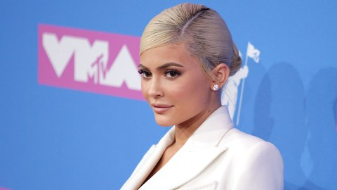 OMG—An Obsessive Kylie Jenner Fan Was Arrested After Knocking On The Star's Front Door | StyleCaster