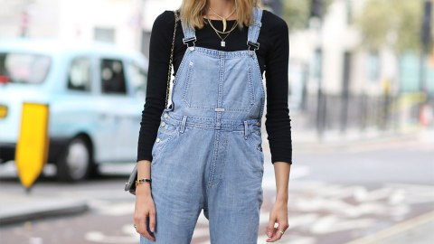 """15 Pairs of Overalls Every """"Cool Girl"""" in L.A. is Wearing Right Now 