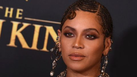 Beyoncé Was Photoshopped In 'The Lion King' Cast Photo —But It's Not How You Think | StyleCaster