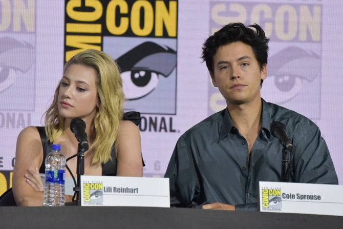 cole lili comic con Lili Reinhart & Cole Sprouses Body Language At Comic Con Is Giving Me Anxiety