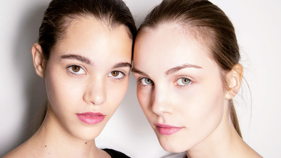 How to Wake up With Makeup, According to Makeup Artists
