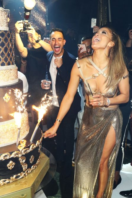 jennifer lopez alex rodriguez birthday cake We Must Discuss Jennifer Lopezs Glorious Birthday Party Photos
