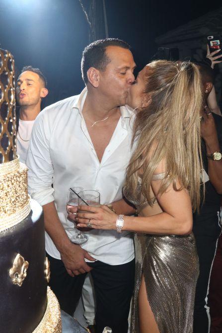 jennifer lopez alex rodriguez birthday kiss We Must Discuss Jennifer Lopezs Glorious Birthday Party Photos