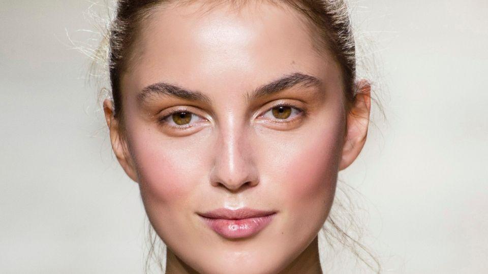 Hyaluronic Acid Serums For Bouncy Supermodel-Like Skin
