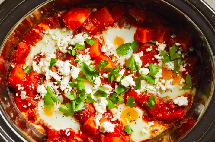 STYLECASTER | 17 Slow-Cooker Brunch Recipes Worth Staying In For | Shakshuka