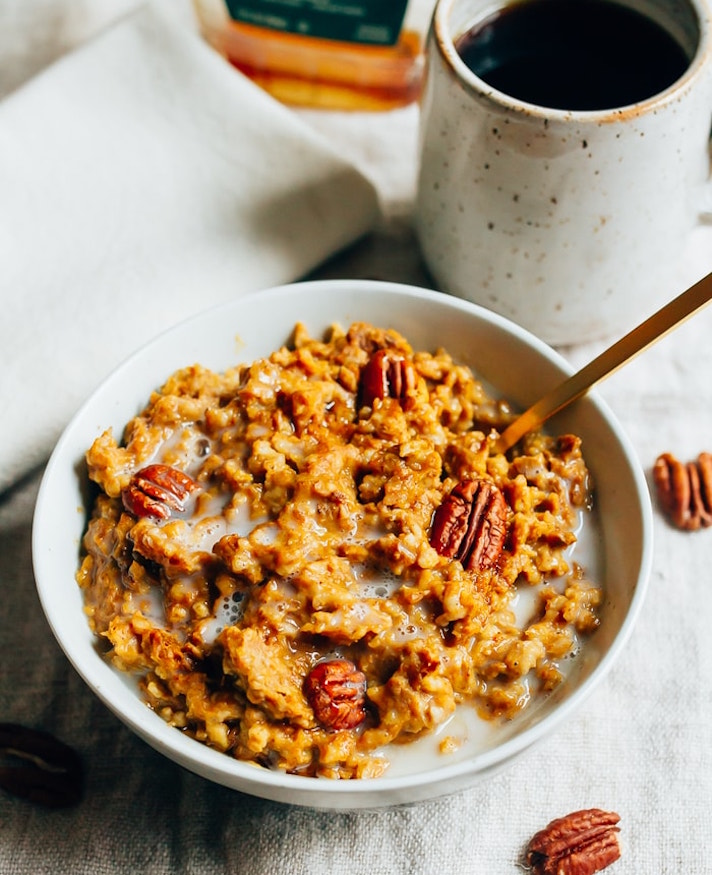 STYLECASTER | 17 Slow-Cooker Brunch Recipes Worth Staying In For | Pumpkin Pie Oatmeal