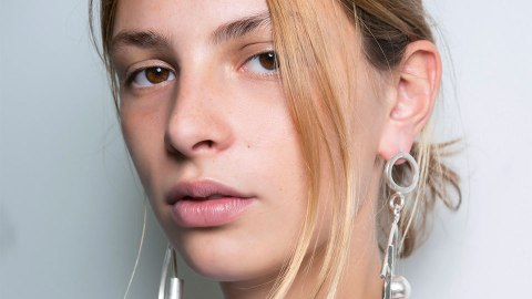 Expert Advice for the Summer Acne Mistakes You're Probably Making | StyleCaster