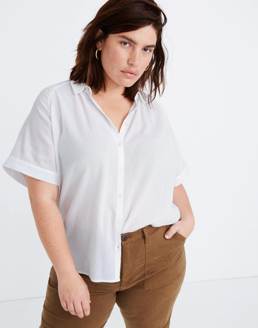 STYLECASTER | Summer Minimalist Outfits | short sleeve white top