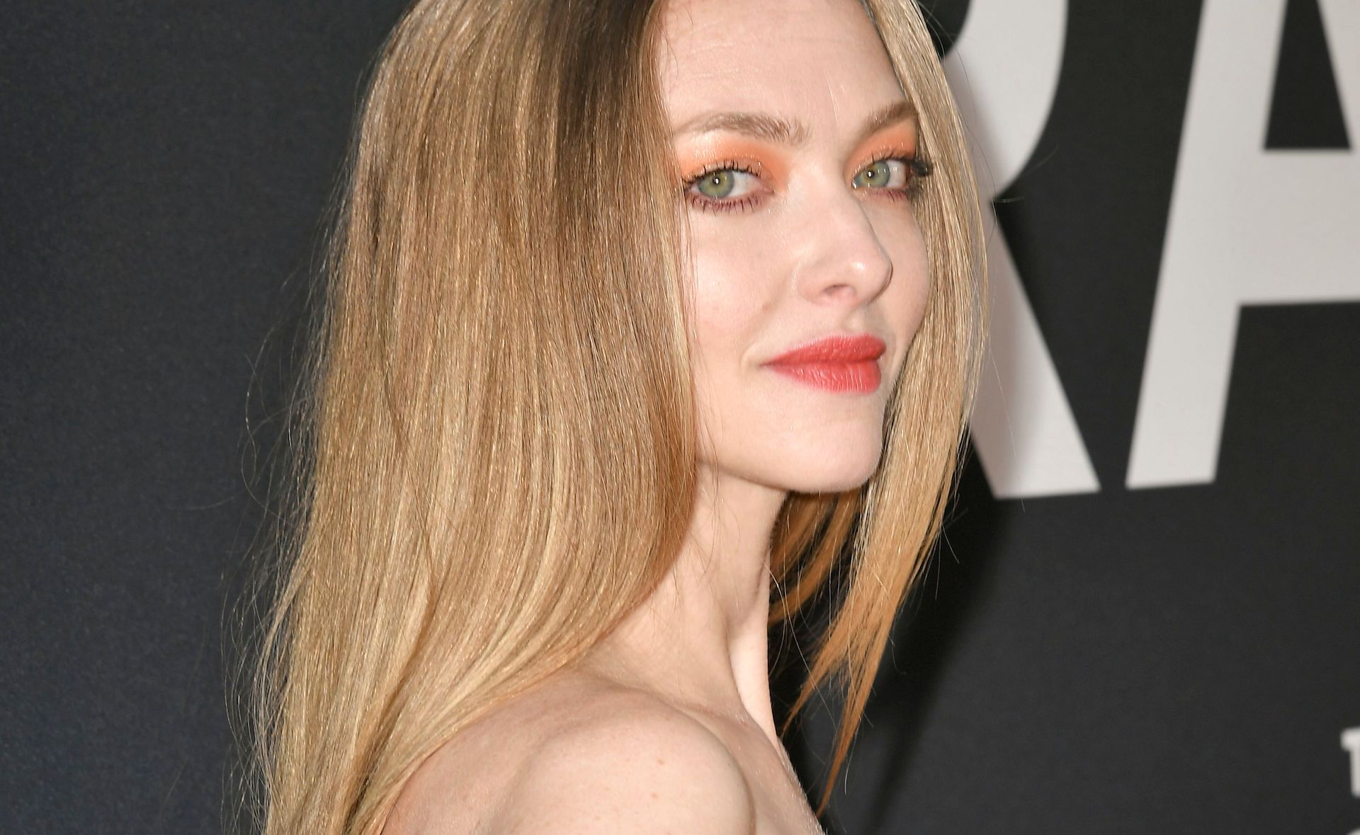 Amanda Seyfried Looks Like a Chihuly Masterpiece In This Lemon Drop Gown