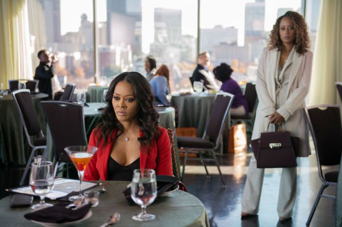 ambitions robin givens and essence atkins Essence Atkins Wont Be Underestimated: EXCLUSIVE