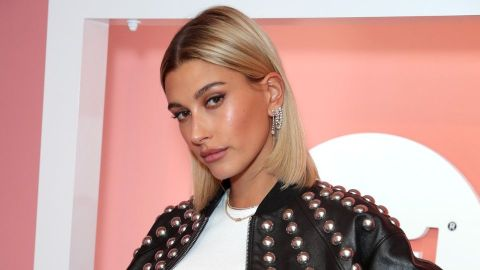 Hailey Baldwin Looks Shockingly Different With a Black Bob | StyleCaster