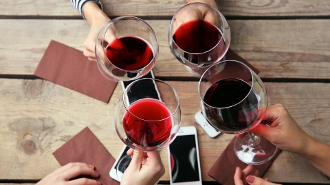 6 Easy Drinking Games to Get Your Booze on With Your Pals   StyleCaster