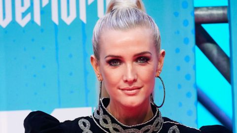 """Ashlee Simpson Just Went """"Pumpkin Pink"""" and I'm Obsessed 