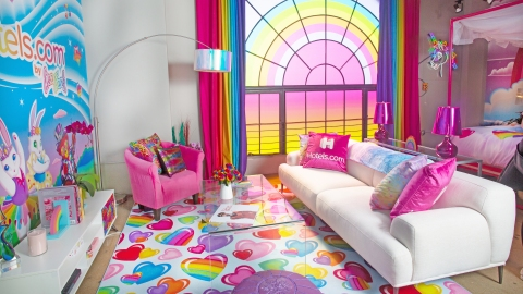 OMFG, You Can Stay in a Lisa Frank Hotel Room and Live Out Your '90s Rainbow Dreams | StyleCaster