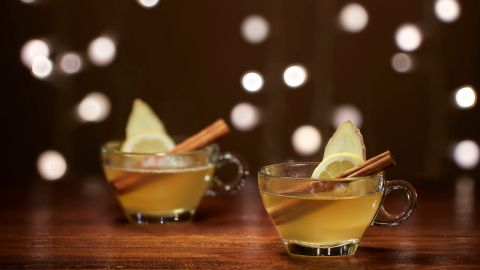 10 Festive Vodka Cocktails That Are Way Too Easy to Make | StyleCaster