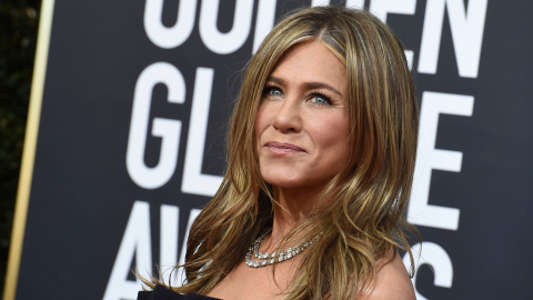 Jennifer Aniston Had a Priceless Reaction to Brad Pitt's Dating Joke at the Golden Globes | StyleCaster