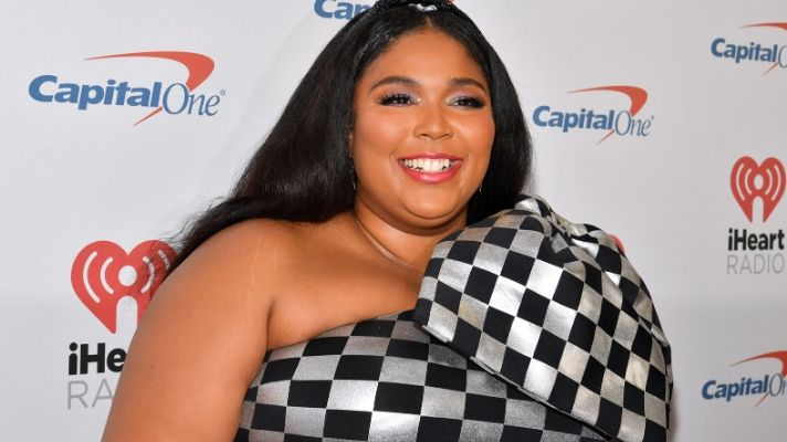 Lizzo Wore an Actual Kira Kira Headband That You Can Snag for the Holidays