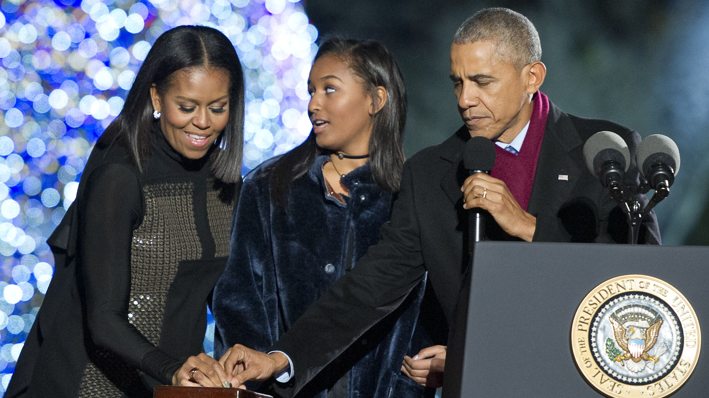 Michelle, Sasha, Barack Obama