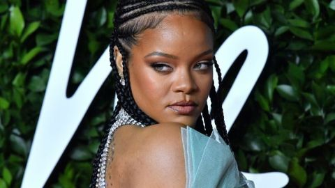 How Fenty Beauty's New Palettes Let You Snap and Match Shades | StyleCaster