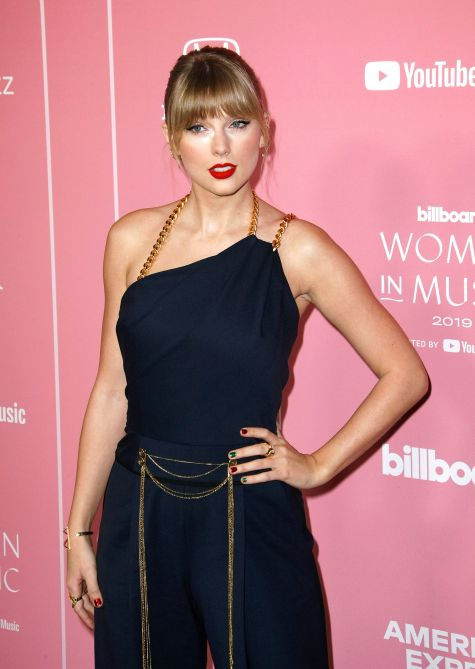Taylor Swift Nails Billboard Women In Music 2019 Nails Have A Holiday Spin Stylecaster