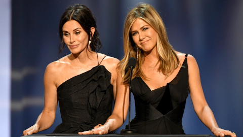 Courteney Cox Just Reacted to Jennifer Aniston & Brad Pitt Being in 'Love' | StyleCaster