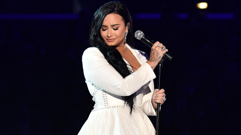 Demi Lovato Singing at the Grammys for the 1st Time Since Her Overdose Will Make You Cry | StyleCaster
