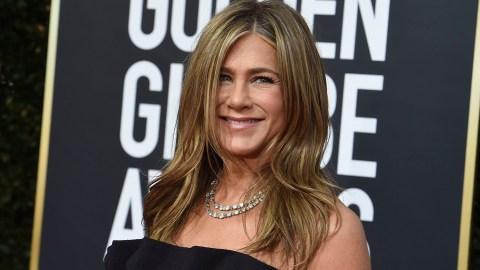 Jennifer Aniston's Golden Globes Dress Is Peak Jennifer Aniston | StyleCaster