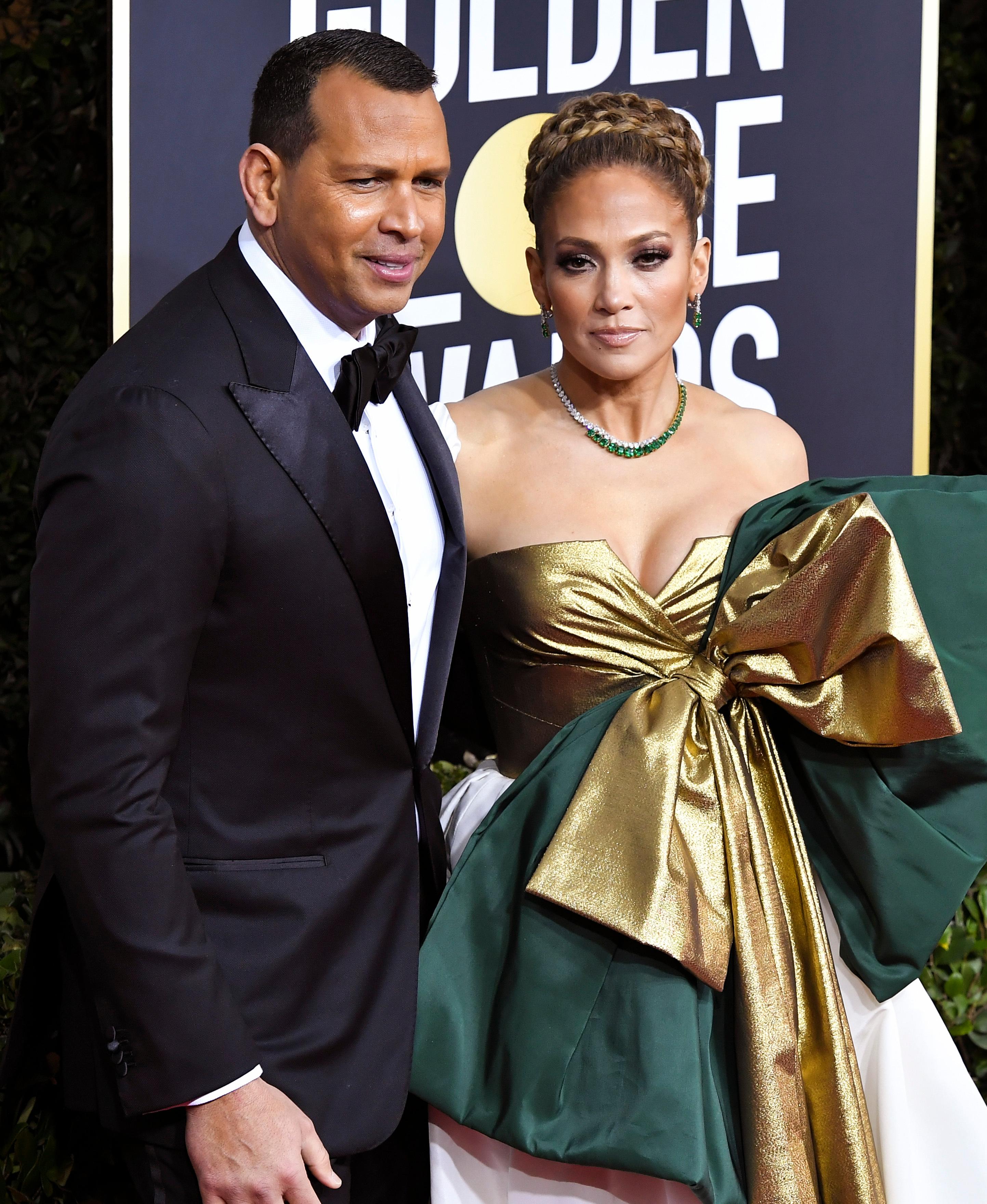 jennifer lopez alex rodriguez golden globes 2020 1 Jennifer Lopezs Golden Globes Dress Is Truly a Gift—Maybe Even Literally