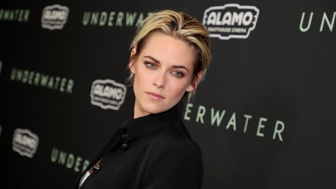 Kristen Stewart Low-Key Looked Like '90s Aaron Carter at the 'Underwater' Premiere | StyleCaster