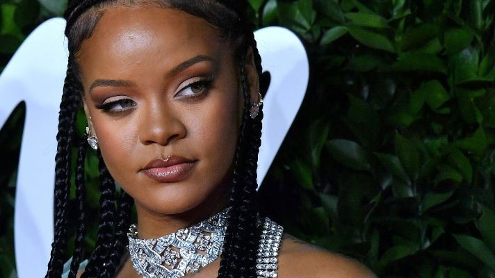 Rihanna Debuted New Braids In Her First No-Makeup Selfie of the Decade