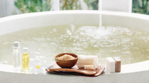 Went a Little Crazy at Spin Class? Soothe Achy Muscles With These Luxe Salt Baths | StyleCaster
