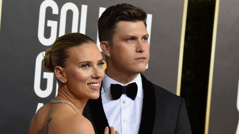 Hi—Scarlett Johansson & Colin Jost's Golden Globes PDA Was Hot Hot Hot! | StyleCaster