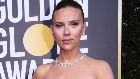Scarlett Johansson's Jaw-Dropping Golden Globes Dress Shows Off Her Back Tattoo | StyleCaster