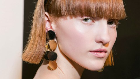 10 Chic Ways to Accessorize Short Hair Like You Just Stepped Off a Runway | StyleCaster