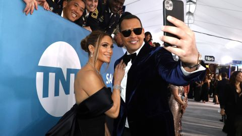 Jennifer Lopez & Alex Rodriguez Are Adorable in These Super Bowl Photos & We're Swooning | StyleCaster