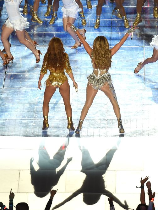 shutterstock editorial 10546520be We Just Caught Secondhand Glow from JLo & Shakiras Halftime Show