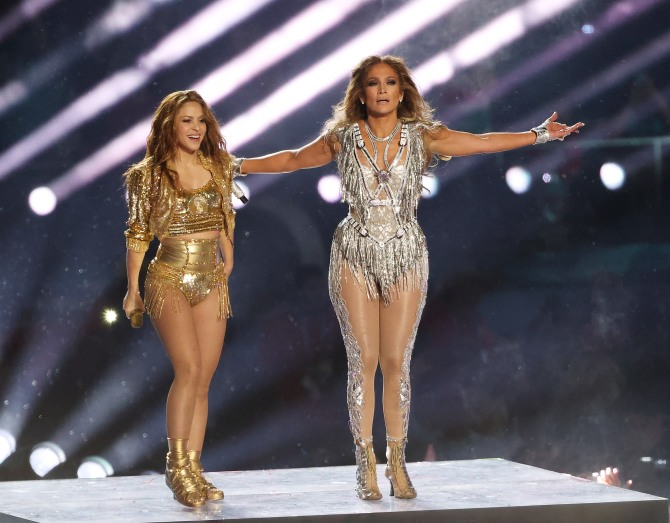 shutterstock editorial 10546531o We Just Caught Secondhand Glow from JLo & Shakiras Halftime Show