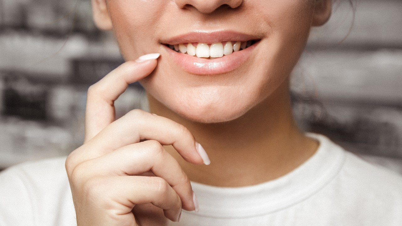 The Best Natural Teeth Whitening Products For Pearly Whites