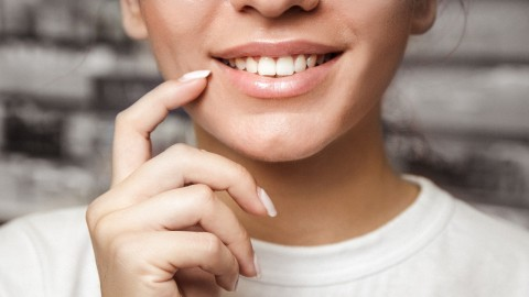 The Best Natural Teeth Whitening Products For Pearly Whites | StyleCaster