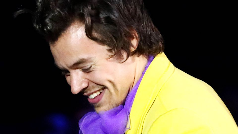 Harry Styles' Bright Yellow Suit Is the Only Thing I Care About, K Thanks
