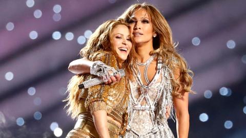 You Might've Missed Jennifer Lopez & Shakira's Kobe Bryant Tribute at the Super Bowl | StyleCaster