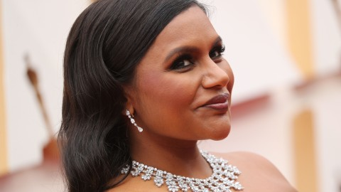 Mindy Kaling Looks Like Literal Sunshine in Her Yellow Oscars Gown | StyleCaster