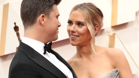 Scarlett Johansson Didn't Hide Her Engagement Ring From Colin Jost at the Oscars | StyleCaster