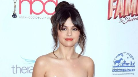 Selena Gomez Shares a Curly-Hair Selfie and New Look at Rare Beauty | StyleCaster