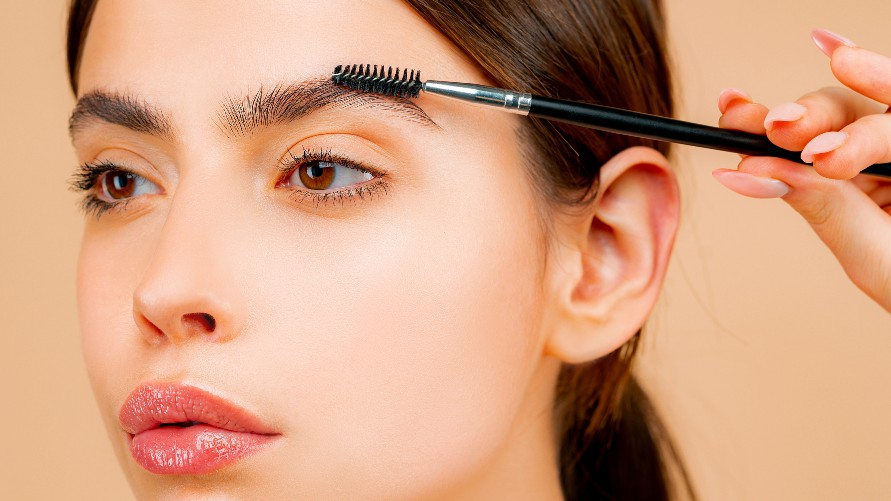 Best Growth Serums Worth Trying If You've Over-Tweezed Your Eyebrows