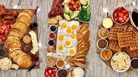 Brunch Boards Are Basically Breakfast Charcuterie & My Mouth Is Watering | StyleCaster