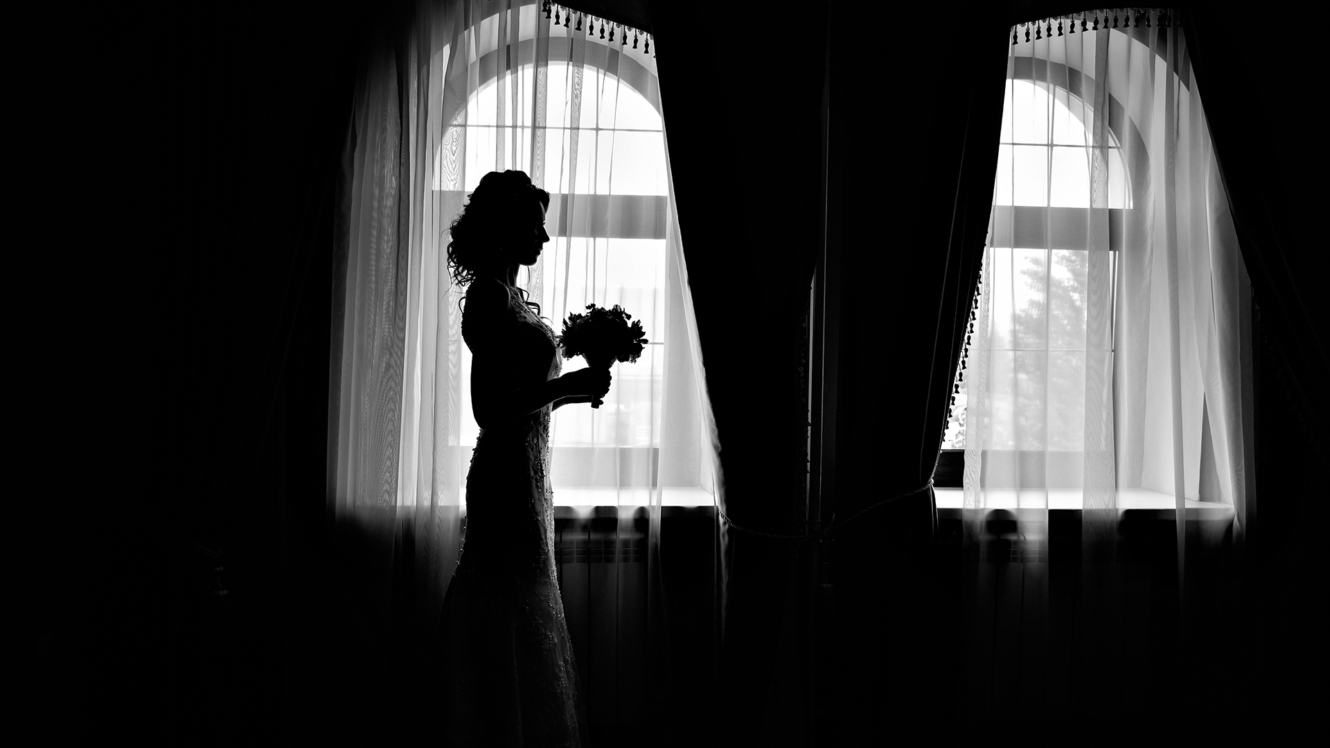 Pivot, Don't Panic: 5 Tips For Rescheduling Your Wedding