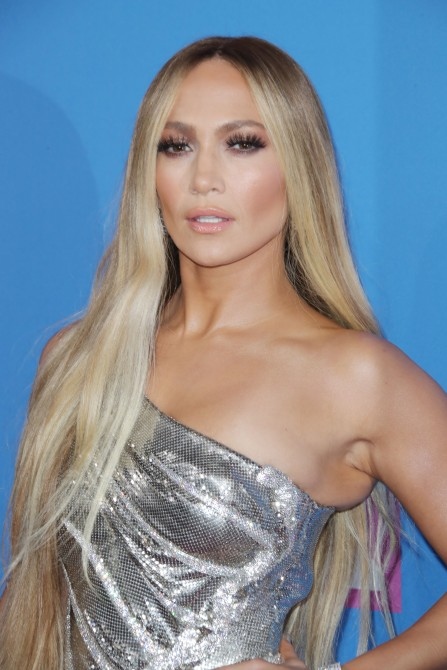 jennifer lopez long hair